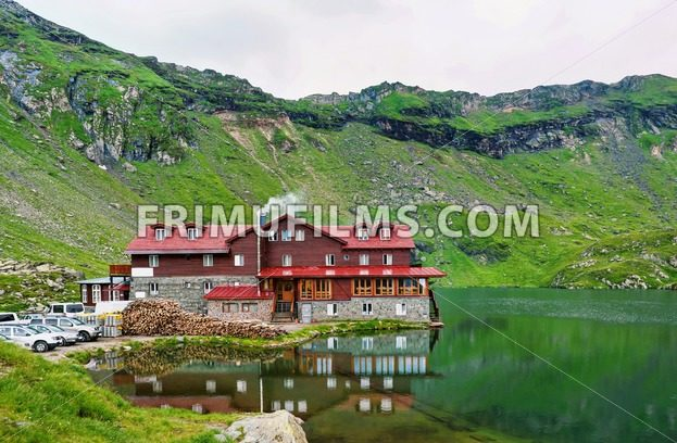 Photo of balea lake in fagaras mountains - frimufilms.com