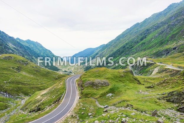Photo of famous winding road - frimufilms.com